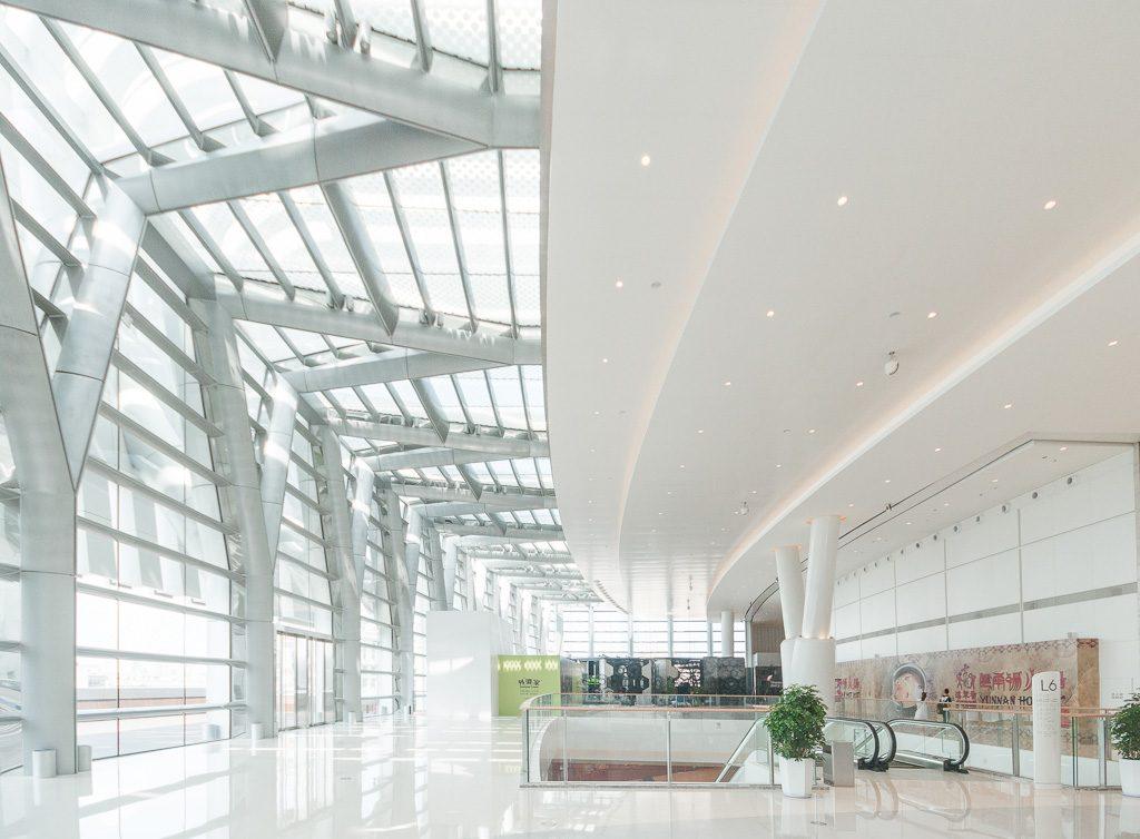 19大连恒隆广场-玻璃幕墙与室内交接