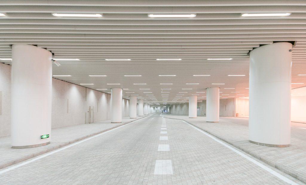 27大连恒隆广场-室内停车场