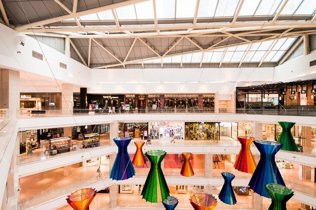 11大连柏威年-购物中心悬挂装置-拦河立面